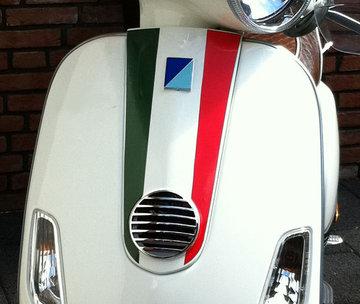 Claxon neus cover Tricolore italiaans